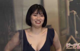 【ビーチ9】セクシー女優・石原希望の水着でお尻にポンプを食い込ませる姿が完全に騎乗位wwwww
