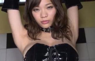 鷹羽澪 はちきれんばかりの美巨乳見せつけ☆(えろ写真38枚)