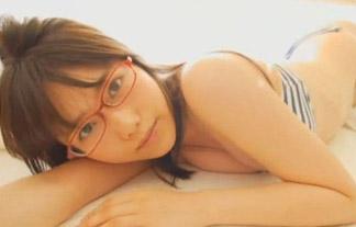 加藤里保菜 ランク王国に出てる眼鏡っ子がカワイいwwwwwwwwこのままベッドに押し倒したい…写真46枚