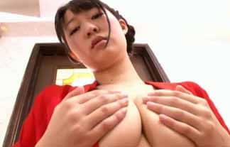 生田奈々 全裸手ブラで大胆露出!乳首を背もたれに押し付けててエロ過ぎ…エロ画像22枚