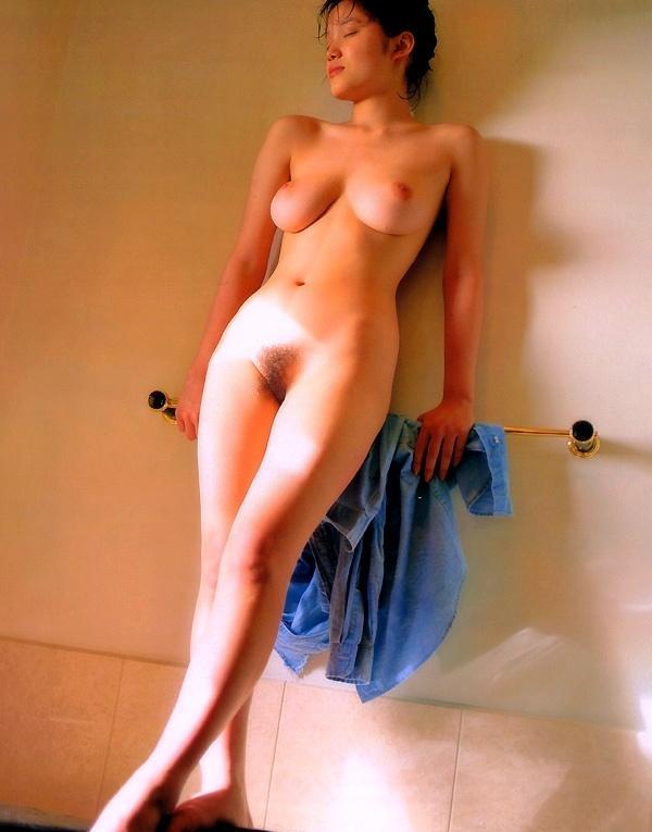 遠野奈津子 ヌード画像 004
