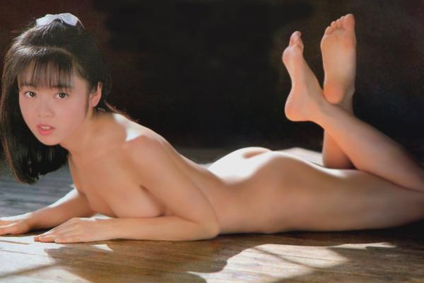 かがみ愛 ヌード画像 019
