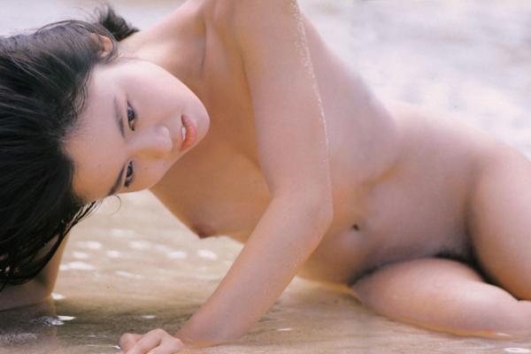 かがみ愛 ヌード画像 090
