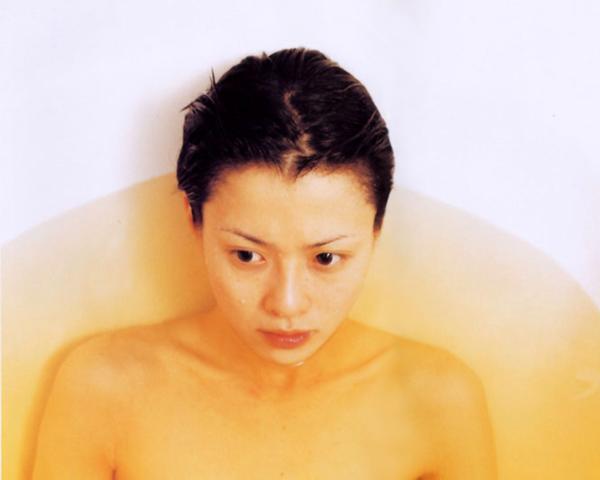 坂井真紀 ヌード画像 027