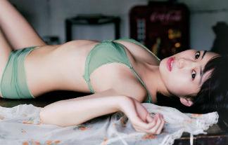 滝口ひかりミズ着グラビア写真39枚☆一家のためにビキニ姿を晒す2000年に1人の美10代小娘☆