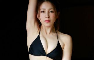 吉川友 最新ミズ着えろ写真42枚☆黒ビキニに包まれたEカップ美巨乳お乳で悩殺☆