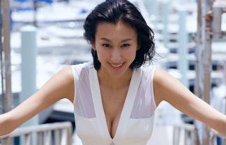 浅田舞 美巨乳ミズ着えろ写真47枚☆ロケット乳スケーターまたしてもお乳グラビアを披露wwwwww