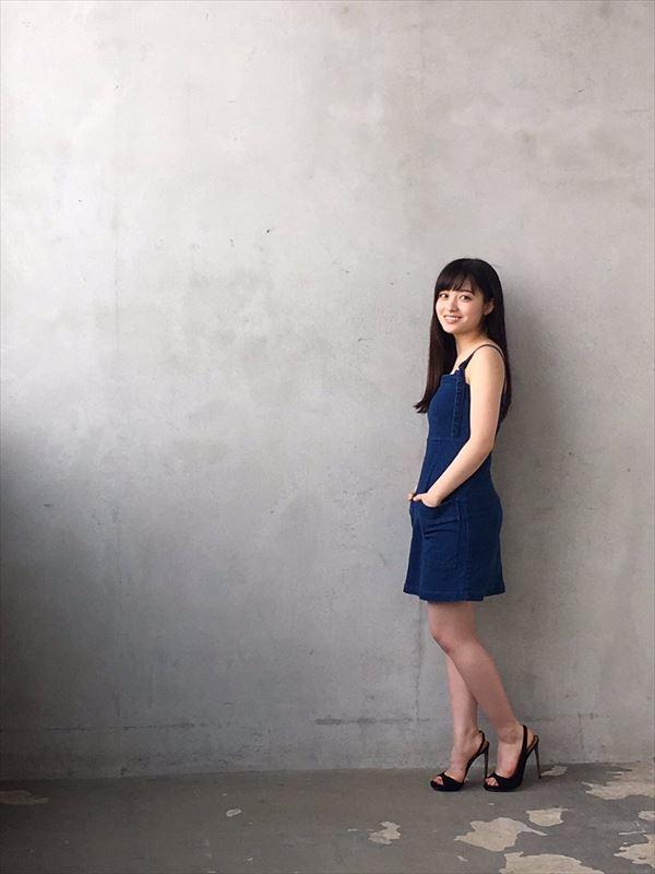 橋本環奈 胸チラエロ画像036