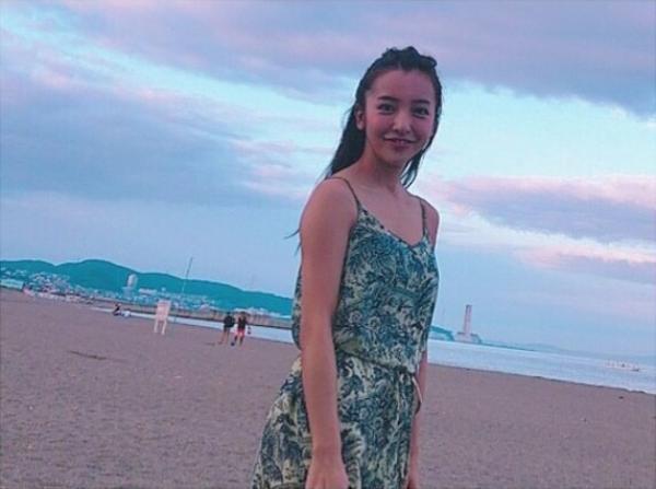 板野友美 エロ画像032