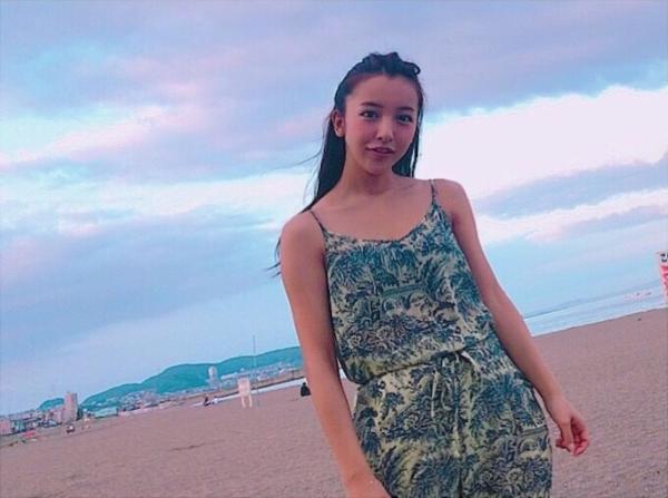 板野友美 エロ画像035