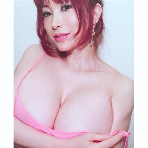 叶美香 セミヌードエロ画像029