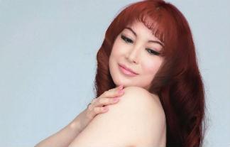 叶美香さん、最新セミぬーどでロケット乳ブラなし&パンツ丸見え連発wwwwww(えろ写真40枚)