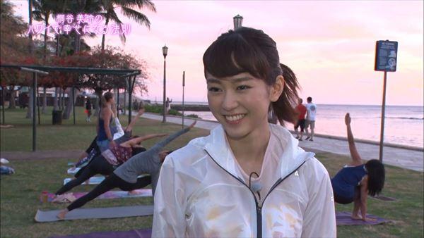 桐谷美玲 胸チラパンチラエロ画像059