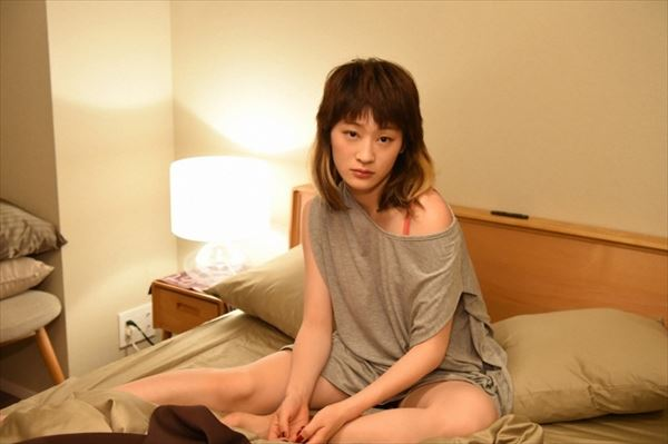コムアイ 痴女エロ画像011