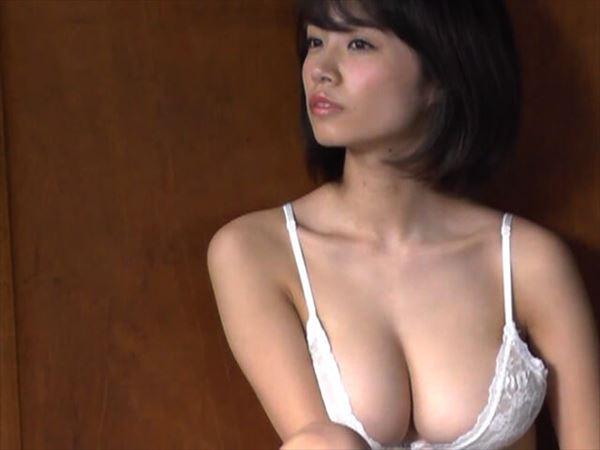 菜乃花 巨乳画像020