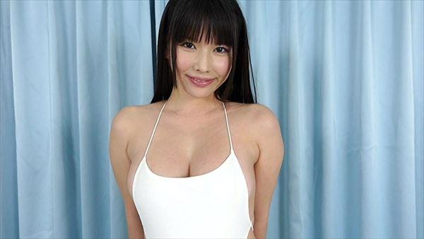新垣優香 巨乳画像028