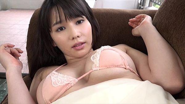 新垣優香 巨乳画像050