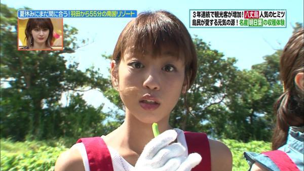 岡副麻希 胸チラエロ画像021
