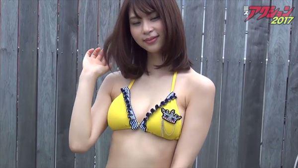 山本成美 ビキニ画像013