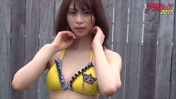 山本成美 ビキニ画像015