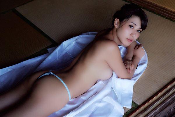 金子智美 乳首エロ画像114