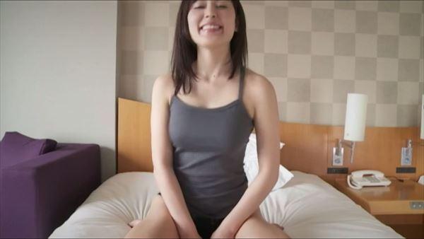 金子智美 乳首エロ画像066
