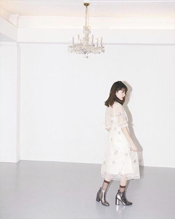 小嶋陽菜 おっぱい画像002