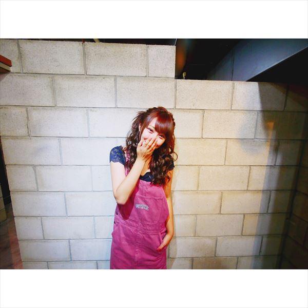 橋本甜歌 おっぱい画像018