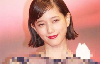 本田翼 スケスケ衣装で映画祭に登場ww「これ見れただけで十分だわwwwwww」(えろ写真35枚)