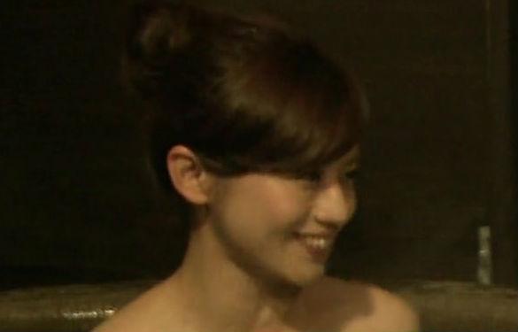 えろい体の少女ババア、ローカル番組でエロな身体を披露wwwwwwww(写真32枚)