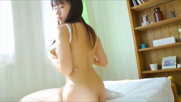 小春結衣 乳首エロ画像013