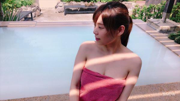 三井里彩 水着エロ画像032
