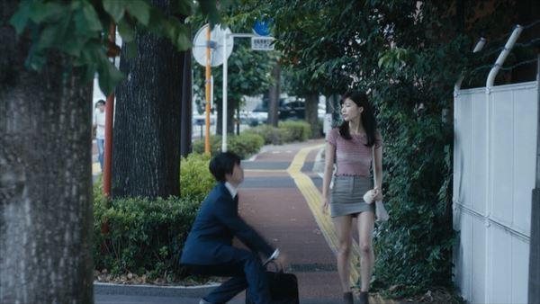 小倉優香 スカートエロ画像002