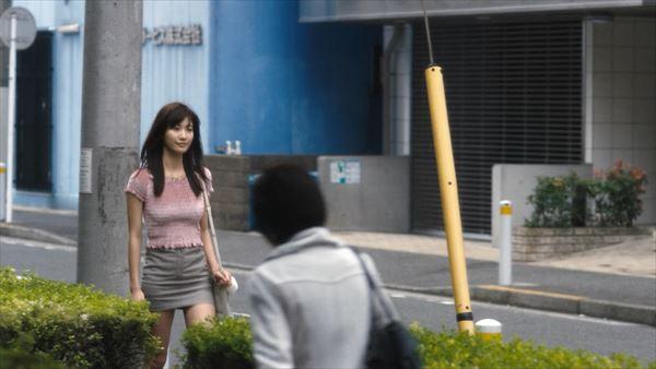 小倉優香 スカートエロ画像028