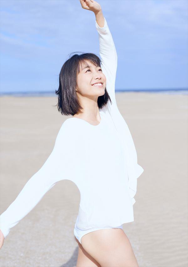 高田夏帆 水着エロ画像014