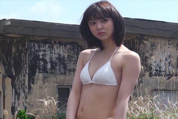 山谷花純 半裸エロ画像013