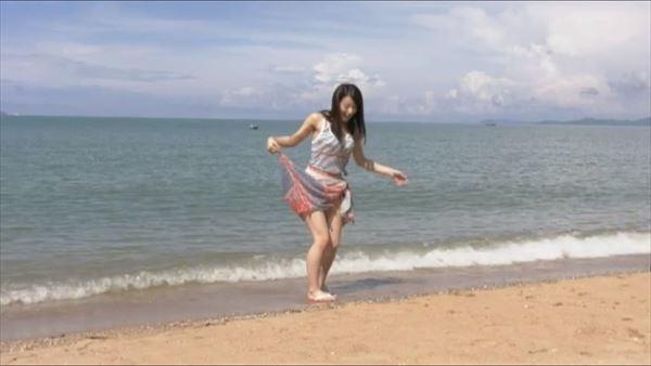 小瀬田麻由 水着エロ画像037