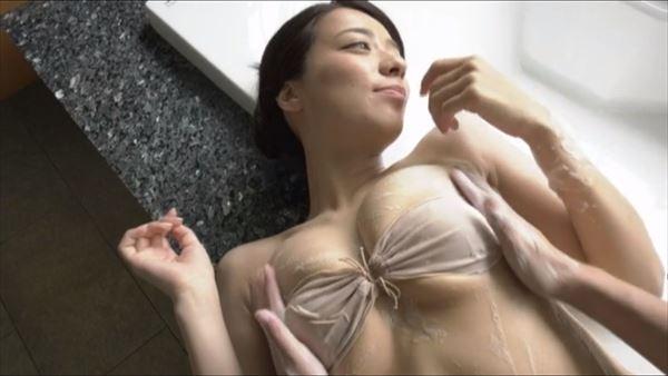 小瀬田麻由 水着エロ画像062