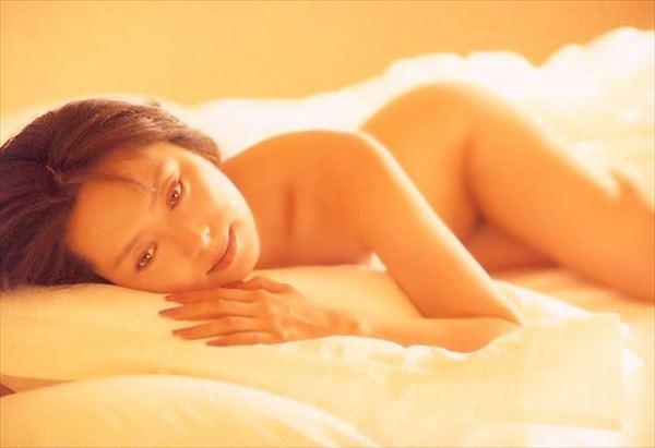 新藤恵美 ヌード画像045