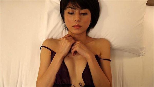 芳野友美 水着エロ画像018