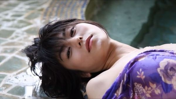 芳野友美 水着エロ画像065