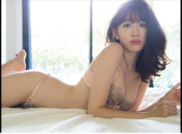 小嶋陽菜(こじはる) エロ画像020