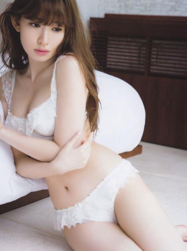 小嶋陽菜(こじはる) エロ画像073