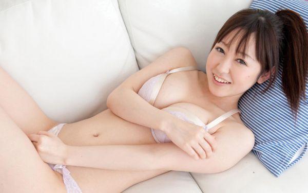 篠田ゆう 画像059