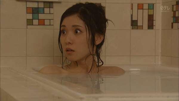松岡茉優 エロ画像041