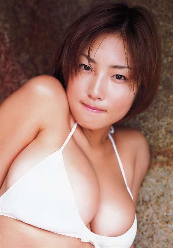 MEGUMI エロ画像009