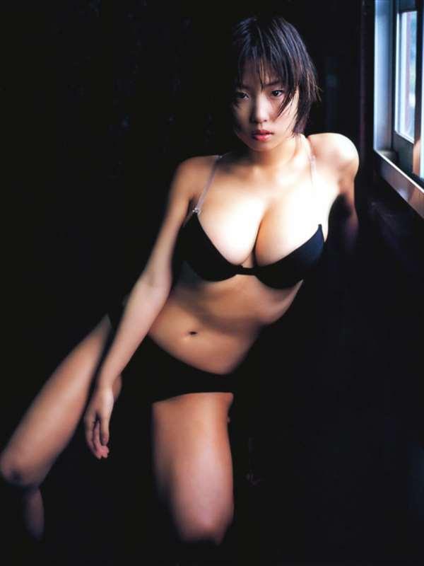 MEGUMI エロ画像056