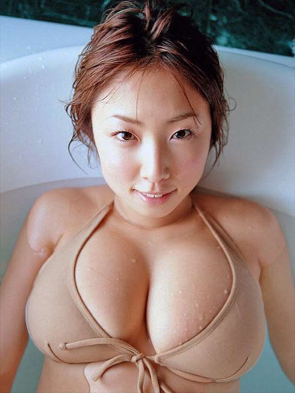MEGUMI エロ画像060