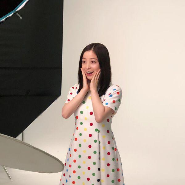 橋本環奈 美肌エロ画像023