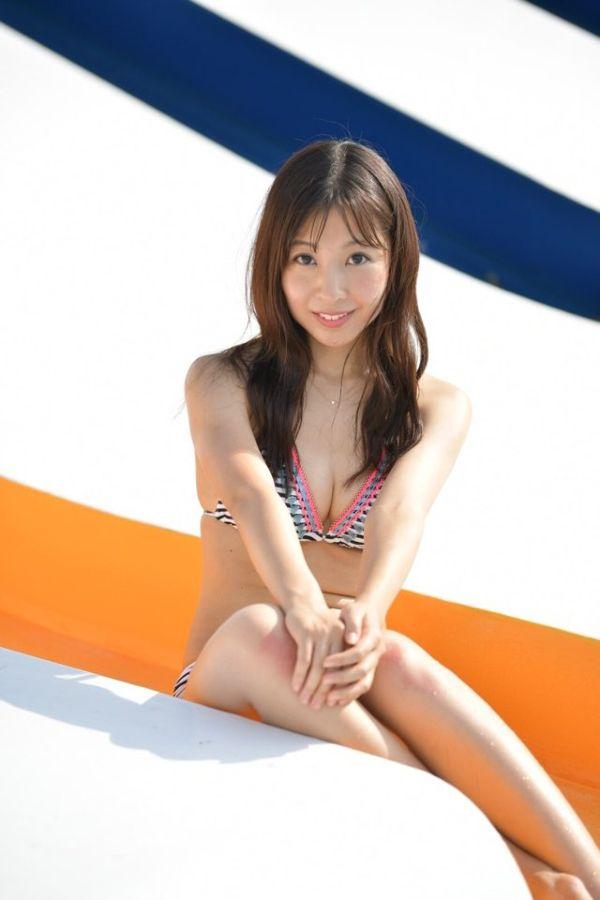 板野成美 水着エロ画像007